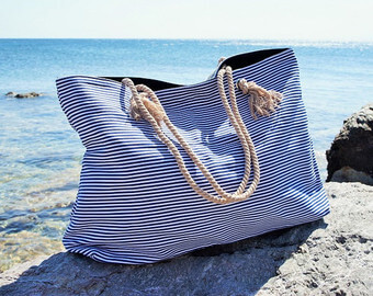 A tote bag for a beach vacation