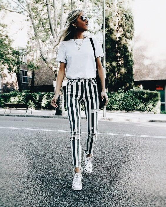 Vertical striped jeans to look taller