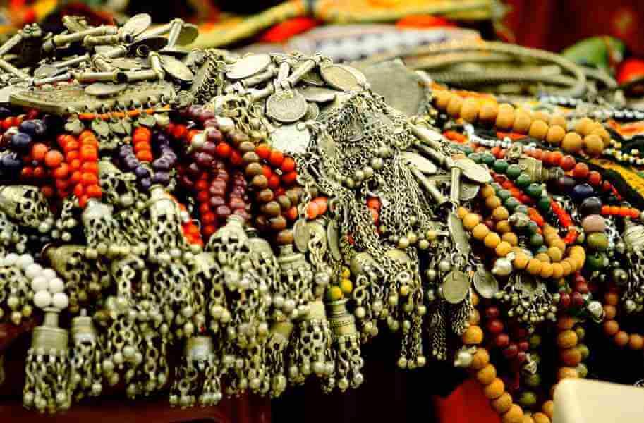 Jewelry in Janpath (Delhi's best junk jewelry market)
