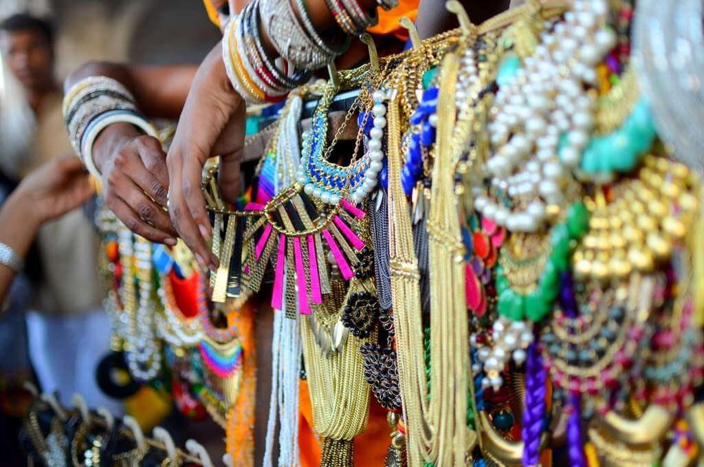 Neckpieces in Janpath (Delhi's best junk jewelry market)